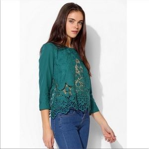 Kimchi Blue || Green Holly Lace Blouse XS